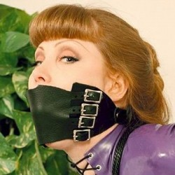 Gag faux leather with plastic ball 4 cm